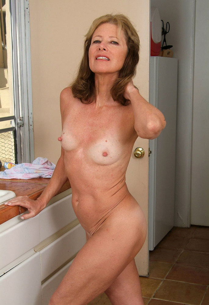 Old womens pussy thin