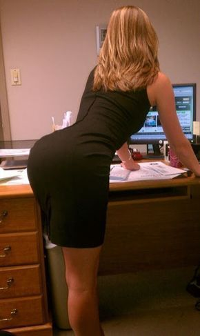 Sexy girls in skirts bending over